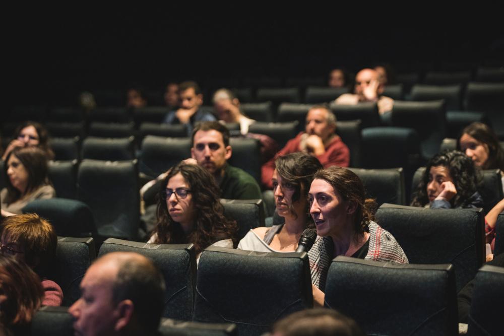Público en una de las salas del Docs del Mes